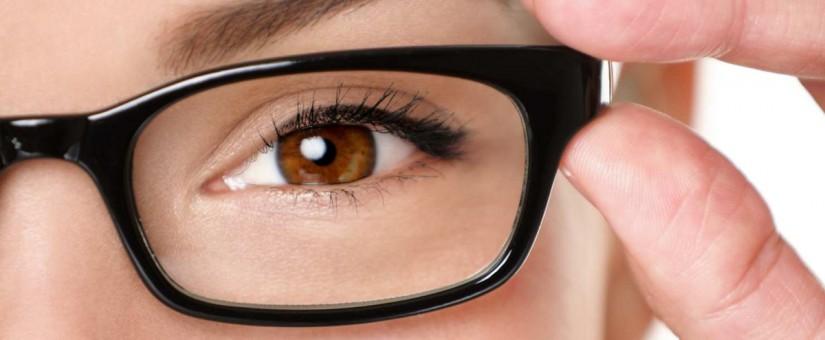 d1828e582dd7 Contact Lenses vs Glasses - Family Eyecare